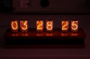 z5660m_nixie-clock_01n